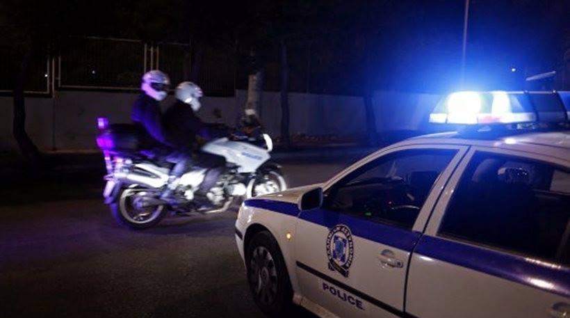 Αστακός: 55χρονος επιτέθηκε σε…περιπολικά