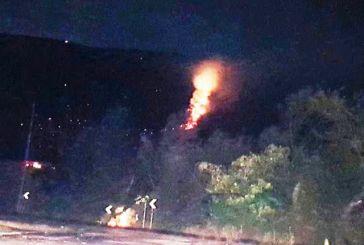 Μάχη με τις φλόγες στο Μοναστηράκι