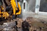 Δήμος Αγρινίου:Κοπή δένδρων στην οδό Κέντρου για να μην κινδυνέψουν πεζοί και οχήματα