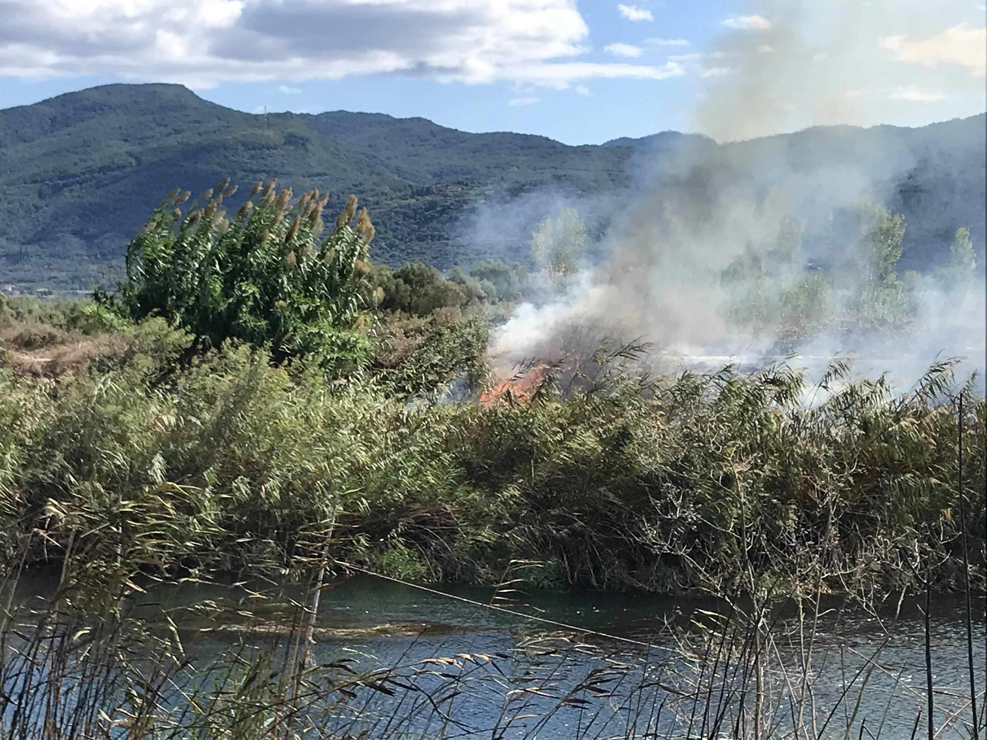 Ανευθυνότητα πολιτών και μπαράζ πυρκαγιών στο Αγρίνιο