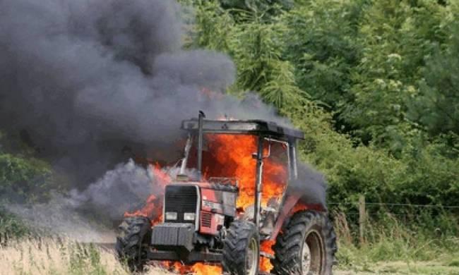 Τραγωδία στην Καρυά Καμένων Βούρλων:Εγκλωβίστηκε στο τρακτέρ που ανατράπηκε και κάηκε(φωτο)