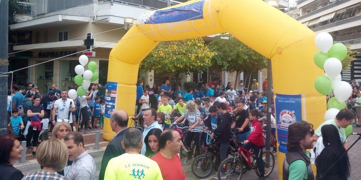 Πλήθος κόσμου έτρεξε, βάδισε και ποδηλάτησε στο κέντρο του Αγρινίου