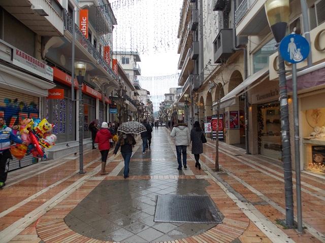 Οι Ελληνες δεν ψώνισαν τα Χριστούγεννα -Ενα στα δύο μαγαζιά είχε μικρότερο τζίρο από το 2017