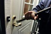 «Άγνωστοι» δράστες ρήμαξαν σπίτι στο Μεσολόγγι ενώ μέσα βρισκόταν 15χρονος