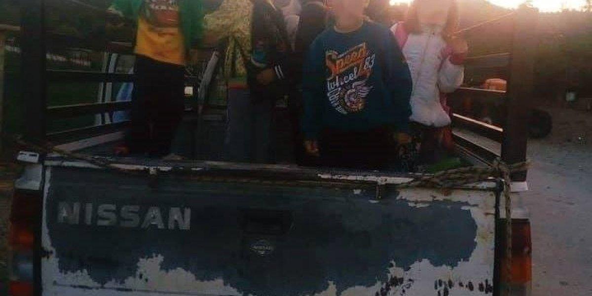 Ντροπή: μεταφορά μικρών μαθητών σε καρότσα στον ορεινό Βάλτο