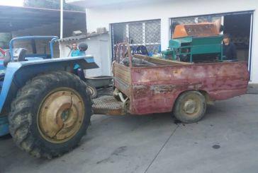 Ξηρομερίτικη πατέντα: Έκοψε το αγροτικό και το έκανε καρότσα στο τρακτέρ!
