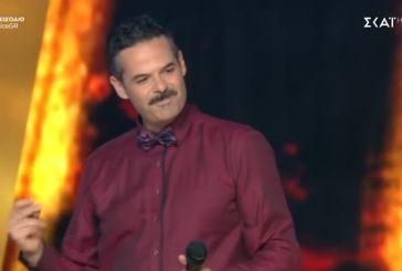 Ακάθεκτος συνεχίζει ο Αγρινιώτης Γιάννης Πανουκλιάς στο The Voice (video)
