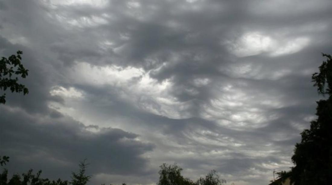 Καιρός: 'Ερχεται κακοκαιρία-εξπρές 36 ωρών με καταιγίδες, ανέμους και χιόνια