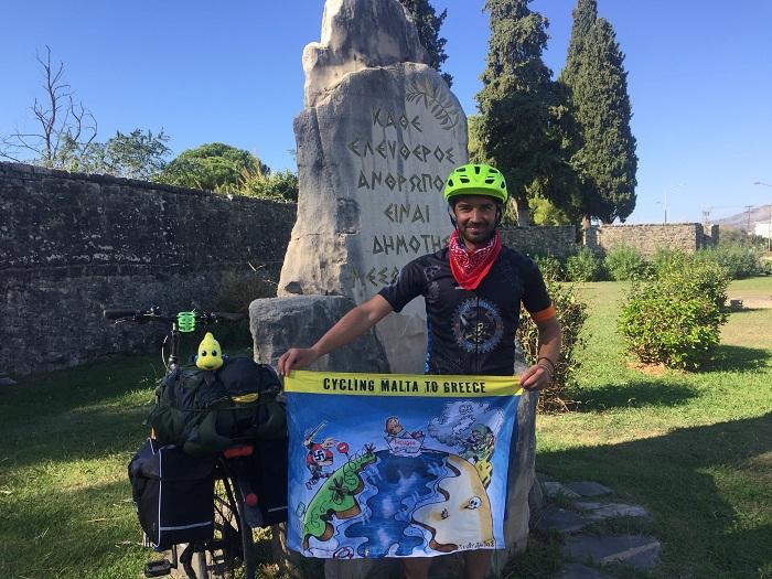 Ποδηλατώντας από τη Μάλτα στο Μεσολόγγι