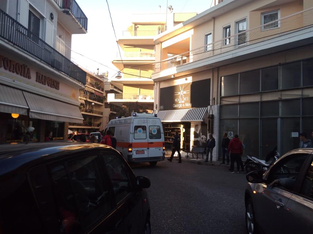 Στο νοσοκομείο δικυκλιστής μετά από τροχαίο στο κέντρο του Αγρινίου (φωτο)