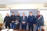 Ο Ν. Καραπάνος δώρησε υπηρεσιακές φόρμες σε αστυνομικούς της ΔΙΑΣ