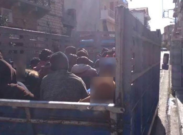 Φορτηγό με 40 αλλοδαπούς αγρεργάτες εντόπισε η Αστυνομία στο Μεσολόγγι