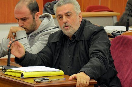 Πάνος Παπαδόπουλος: «Οι πιστώσεις για την πανδημία δεν είναι κατασπατάληση σε αλουμινοκατασκευές και φωτεινούς διακόσμους»