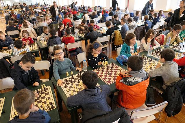 Με συμμετοχή ρεκόρ204 μαθητών το 6ο σχολικό πρωτάθλημα σκακιού Αγρινίου (φωτό)