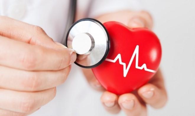 Χοληστερίνη: Σε ποια ηλικία πρέπει να αρχίζει η μέτρηση για να προληφθεί το έμφραγμα;