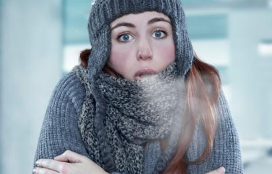 Υποθερμία από έκθεση στο κρύο – Άμεση φροντίδα για να προλάβετε τις βλάβες