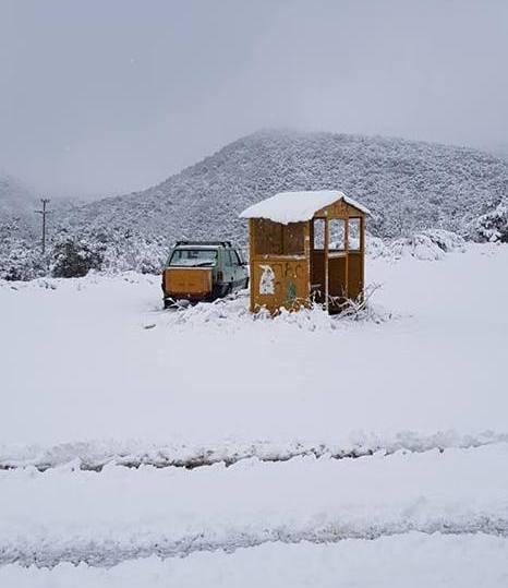 Δίνουν μάχη τα μηχανήματα σε Παρακαμπύλια και ορεινά Παραβόλας για να μείνουν ανοιχτοί οι δρόμοι