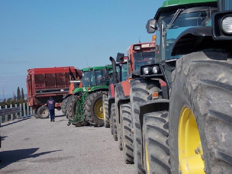 Παράσταση διαμαρτυρίας της Ομοσπονδίας Αγροτικών Συλλόγων Αιτωλοακαρνανίας στο Μεσολόγγι
