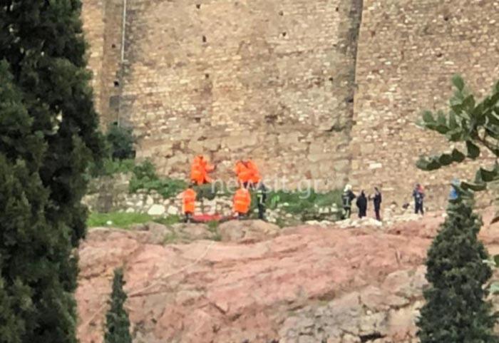 Σοκ στην Ακρόπολη: Άνδρας έπεσε στο κενό!