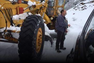 Ορεινή Ναυπακτία: Επιχείρηση απεγκλωβισμού εξαμελούς οικογένειας (φωτο)