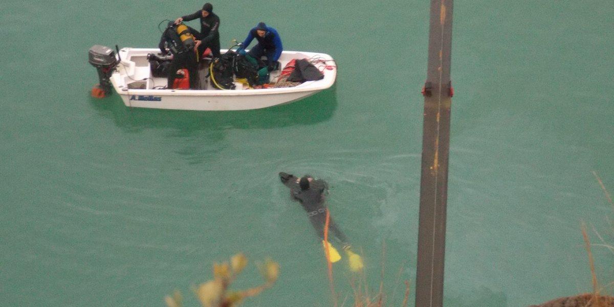 Tραγωδία στη λίμνη Στράτου: εντοπίστηκε το όχημα με τη σορό της 35χρονης μέσα