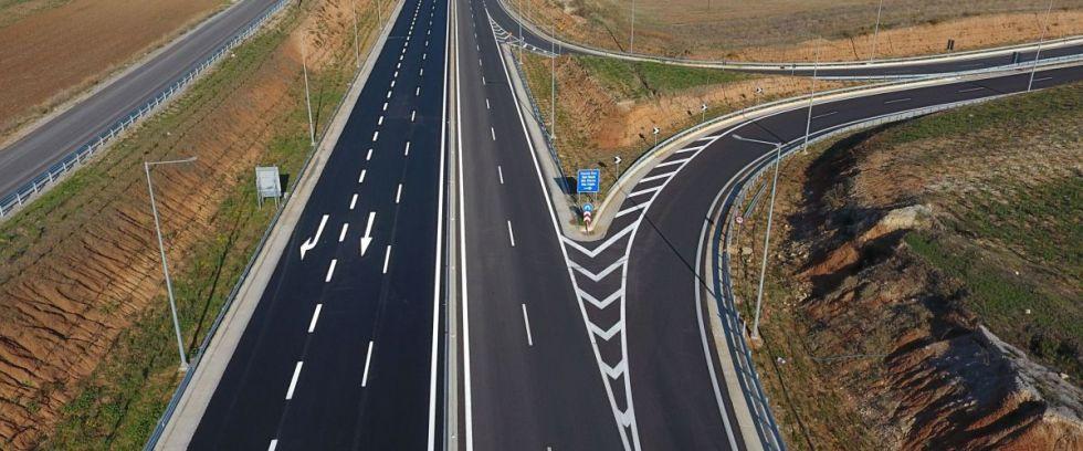 Προσοχή, γκαζιάρηδες οδηγοί! – Ποια είναι τα όρια ταχύτητας σε κάθε δρόμο