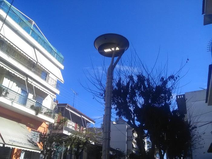 Η Αγίου Κωνσταντίνου, πάντως, έχει φως όλο το 24ωρο εδώ και τρεις μέρες…