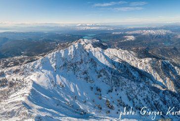 Μαγικές στα λευκά οι κορυφές του Παναιτωλικού Όρους (φωτό)