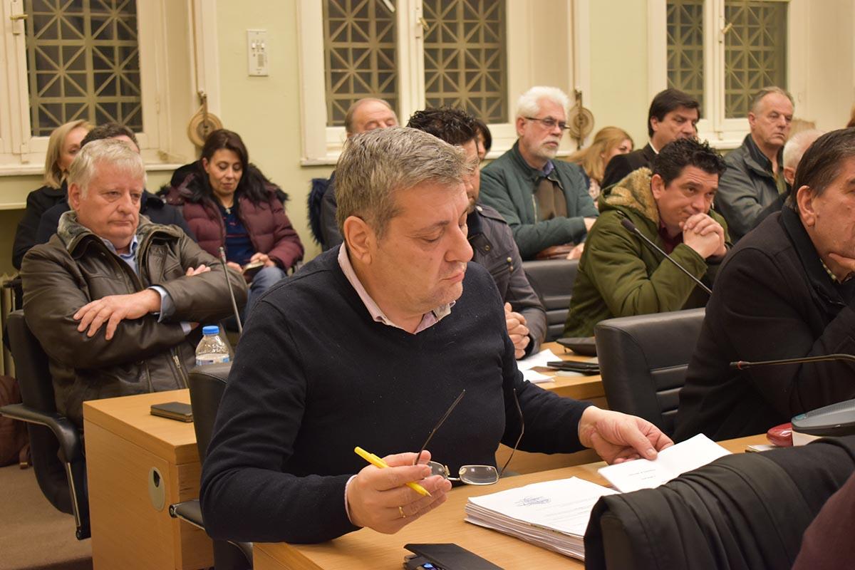 Αιχμηρός ο Ρόκος που δεν συζητήθηκε το Μακεδονικό στο δημοτικό συμβούλιο Αγρινίου