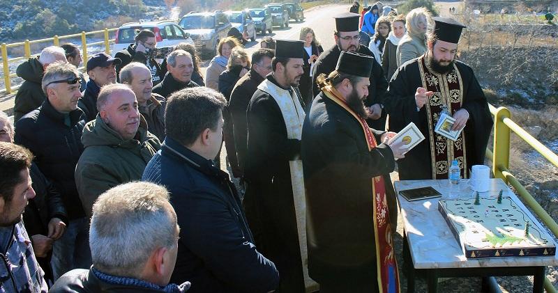 Συζητήθηκε η απουσία του δήμου Αγρινίου στον Αγιασμό των Υδάτων στη Λίμνη των Κρεμαστών