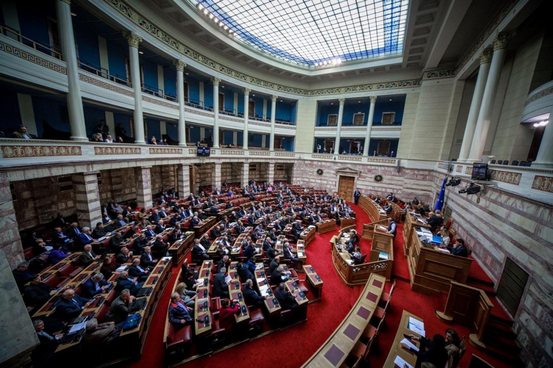 Πέρασε η συμφωνία των Πρεσπών με 153 «Ναι» – Ποιοι ψήφισαν