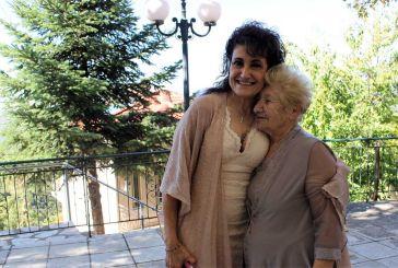 Μητέρα και κόρη μαζί μετά από 60 χρόνια- Μια ιστορία με άρωμα Ναυπακτίας