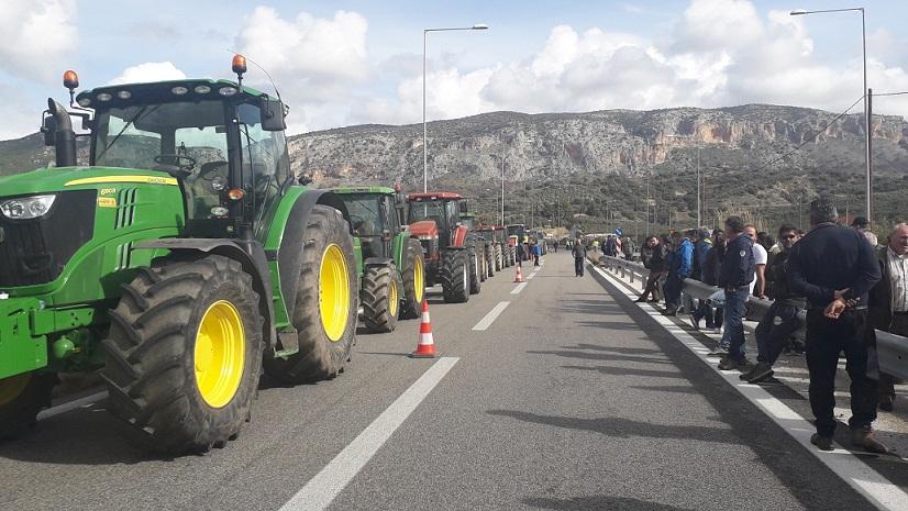 Περισσότερα τρακτέρ στο Χαλίκι- στο μπλόκο της Νίκαιας για αποφάσεις αύριο αγρότες της Αιτωλοακαρνανίας