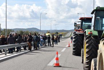 Απογοήτευση στους αγρότες μετά τη συνάντηση με κυβερνητικά στελέχη- σύσκεψη απόψε στο Χαλίκι