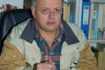 Ο Άκης Τσελέντης καταγγέλλει ότι ζητούν τη σύλληψη του μετά τη δήλωση για σεισμό στη Δυτική Ελλάδα