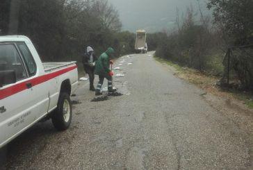 Συνεργεία της Π.Ε. Αιτωλοακαρνανίας επιχειρούν στο επαρχιακό οδικό δίκτυο για την αποκατάσταση ζημιών