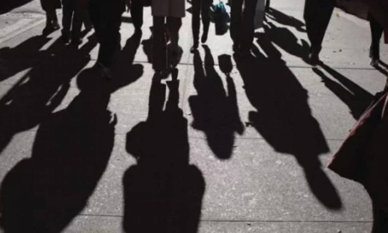 ΟΑΕΔ : 9.000 θέσεις με ελάχιστο μεικτό μισθό 830 ευρώ – Ποιοι είναι οι δικαιούχοι
