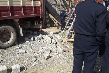 Νεκρός ο άνδρας που καταπλακώθηκε σε αποθήκη στη Νεάπολη