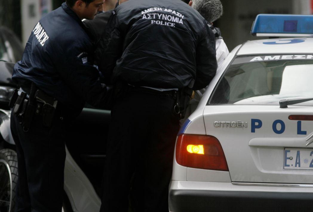 18χρονος πιάστηκε με χασίς στο Αγρίνιο