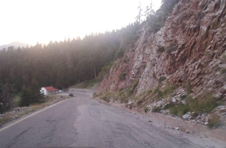 Εργασίες στο επαρχιακό οδικό δίκτυο του Δήμου Ναυπακτίας για βλάβες από φυσικές καταστροφές