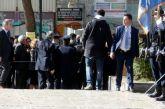 25η Μαρτίου: Άνδρας προσπάθησε να επιτεθεί στον Πρόεδρο της Δημοκρατίας (vid)