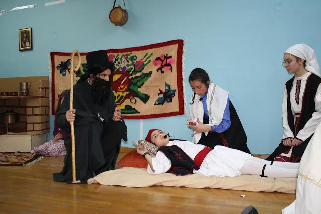 Τίμησαν την 25η Μαρτίου τα κατηχητικά της Αγίας Τριάδας στο Αγρίνιο