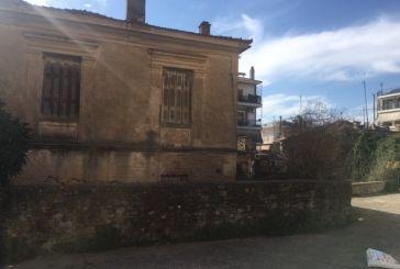 Tραγωδία στο Αγρίνιο: 60χρονος βρέθηκε κρεμασμένος σε εγκαταλειμμένο σπίτι