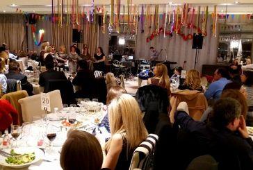 Επιτυχημένη η χοροεσπερίδα συλλόγων των Καλυβίων (φωτο)
