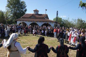 Η γιορτή στο εξωκλήσι του Αη Γιώργη στα Καλύβια (φωτο)