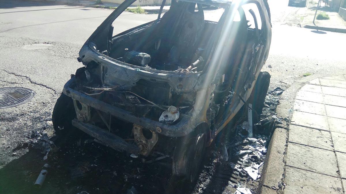 Eμπρησμοί σε κάδους και οχήματα τη νύχτα στο Αγρίνιο