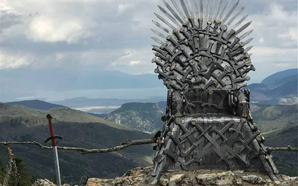 O «Σιδερένιος Θρόνος» του Game of Thrones σε χωριό της Φθιώτιδας (φωτογραφίες)
