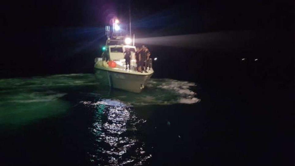 Σύλληψη κοντά στον Μύτικα: πρόλαβε κλοπή σε ιχθυοκαλλιέργειες το Λιμενικό;