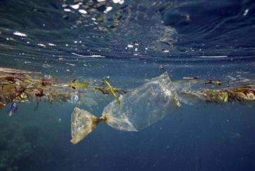 Ο εφιάλτης των πλαστικών απειλεί την Ελλάδα – Τεράστιο πρόβλημα η μόλυνση της Μεσογείου