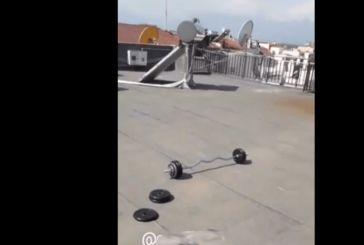 Τρίκαλα: Ο 14χρονος που έπεσε από την ταράτσα είχε ανεβάσει λίγο πριν βίντεο στο Instagram